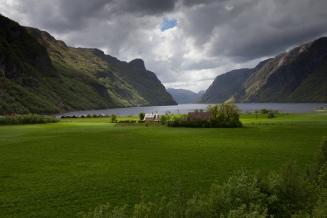 Dramatisk lys en vårdag i Frafjord.