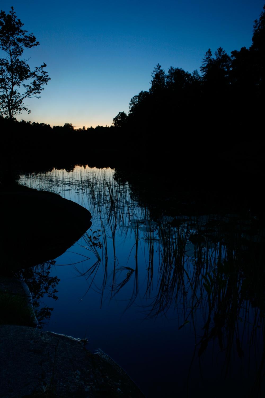 Sommernatt_ved_Molbekktjernet_i_Mosseskogen